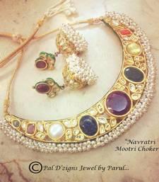 Buy Navratr iMootri  Choker  necklace-set online