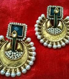 Buy stylish earring Pendant online