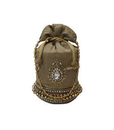 Buy Ghungroo Batwa with Almond shape Brooch (Dark Gold) potli-bag online