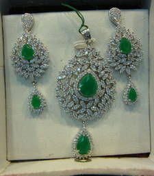 Buy Design no. 13B.1765....Rs. 3950 Pendant online