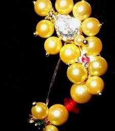 Buy Nath Maharashtrian traditional Nose ring of cream yellow Pearl in WHITE tik Small size nose-ring online
