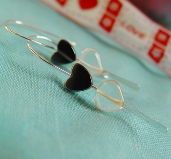 Black Hearts Earrings - Valentines 2012