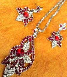 Buy Sparkling Stone with Maroon  Stone Diamentes with India Flower Pendant Set  Pendant online