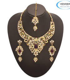 Buy Vendee Desirable  Necklace Set 7154 Earring online