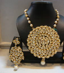 Buy Design no. 8 b.1629....Rs. 6850 Necklace online