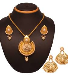 Buy Vendee Fashion Stylesh look combo jewellery (1397) Pendant online