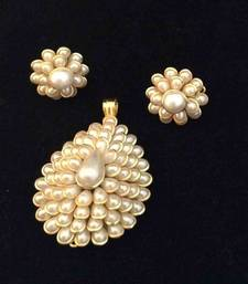 Buy White petals with pearl centre pearl pachhi work pendant set traditional pachi jewelry k16 necklace-set online