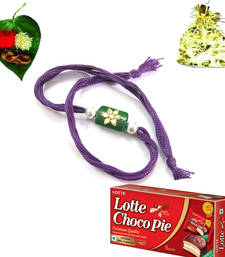 Buy Appealing Rakhi with chocolates rakhi-with-chocolate online