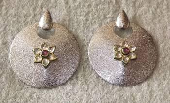Trendy Round Shaped Earrings in SIlver