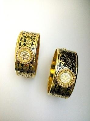 black golden thewa work bangle