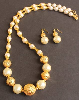 BEAUTIFUL HANDMADE PEARL NECKLACE SET -DJ04312