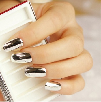 Beautiful trendy popular metal false nails