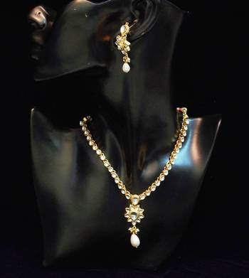 Traditional n elegant white kundan necklace set