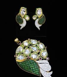 Buy green kundan diamond pendant set Pendant online