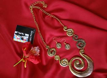 Jalebi Necklace with Earrings - Antique Gold