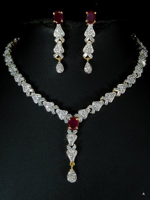 Attractive CZ necklace set.