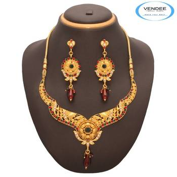 Beautiful Maroon Stone Necklace Set 7541