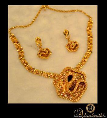 Antique Necklace Sets 8
