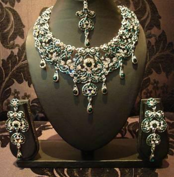 Green Silver Royal Necklace Set