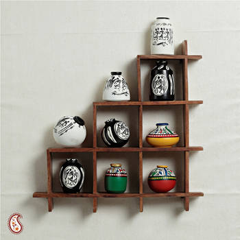 Wall decor with miniature pots