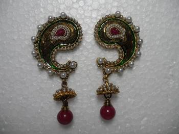 designer stylish earrings