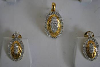 Filigiree Pendant Set