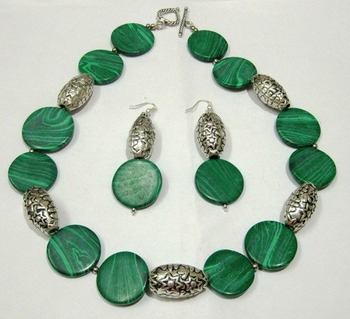 Green malachite beaded jewellery necklace sets