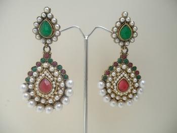 elegant richlook earrings