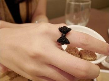 Morcrest Pop Bow Ring