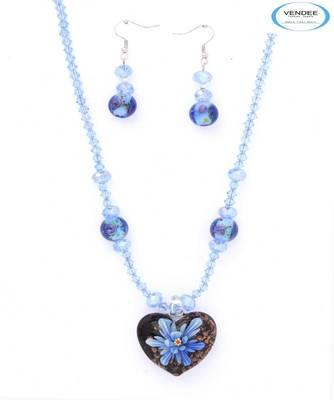 Party wear pendant jewelry