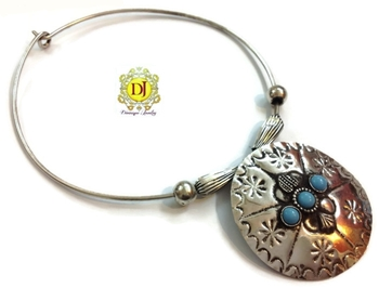 Turquoise n silver metal alloy necklace
