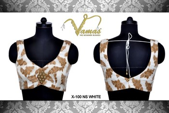 Sleeveless Printed blouse with broach. X100nsw White. Muhenera presents vama designer collection