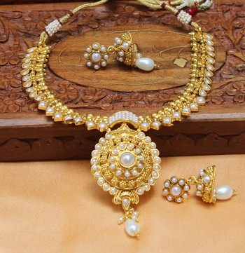 Gorgeous antique kempu necklace