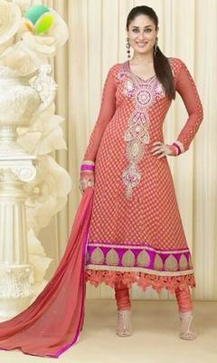 Kareena Kapoor Awesome Designer Suit