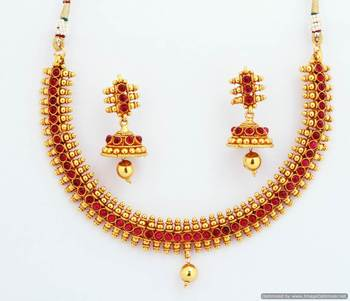 Fashionable Necklace Collection 6
