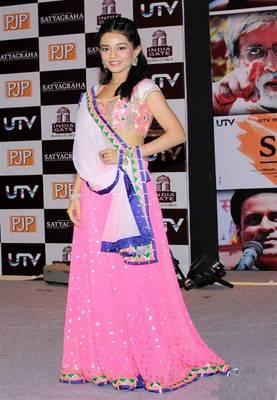 Amrita Rao Pink & White Lehenga
