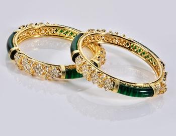 Designer Diamond and Green Colour Bangle