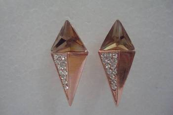 American Diamond Earrings. kite shape diamond studs on golden stone. Valentine collection by MuHeNeRa. 575xga