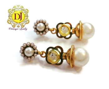 Stylish kundan n pearl earrings