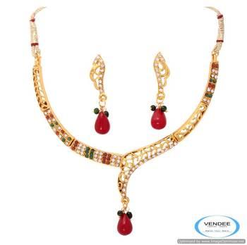 Vendee Imitation fashion necklace set 6784