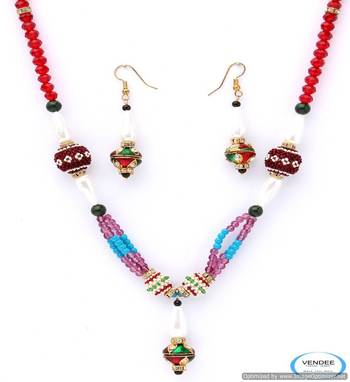 Vendee  Exclusive stylish beads necklace set 4967