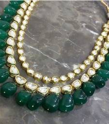 Buy Kundan Necklace with Green Semi precious onyx gemstones Necklace online