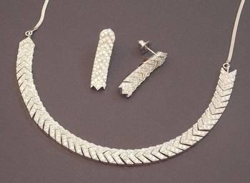 Elegant cz necklace set