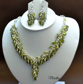 Necklace set with Clustered Green Coral Beads