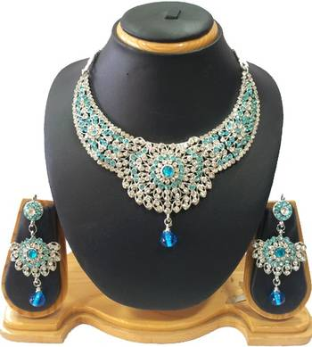 Beautiful Necklace Set in Royal Blue