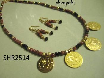 Traditional kaash and sandstone necklace set