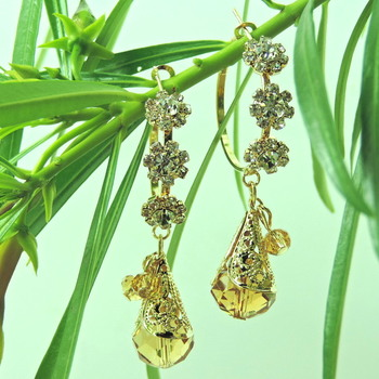 Golden Color Round Shape Earring