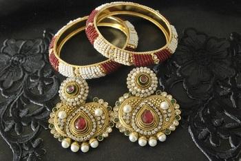 JevantaBai's Traditional Maroon & Green colour Earings & Gold Plated Beaded Bangles