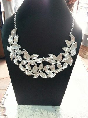 Silver Leaves Collar necklace