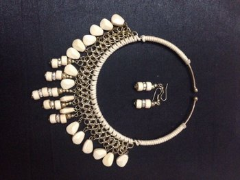 Off white bead Necklace